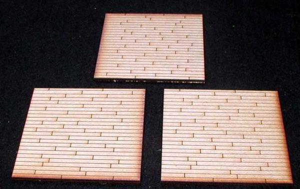 Diese 3 Bodenplatten mit Holzbodenoptik sind im Lieferumfang enthalten. Modulares Terra-Blocks™ Gelände von Sally 4th