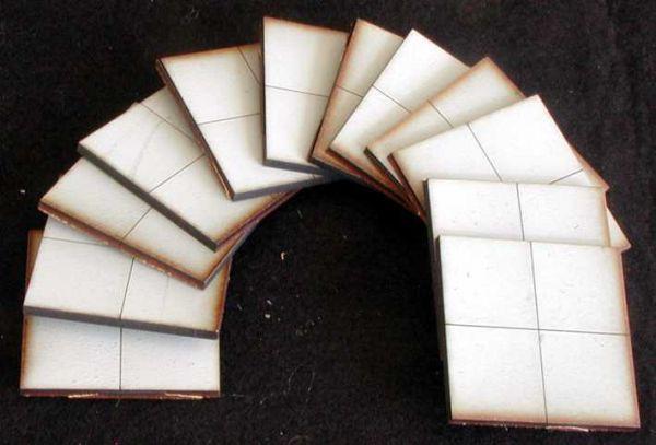 Diese 12 Bodenplatten sind im Lieferumfang enthalten. Modulares Terra-Blocks™ Gelände von Sally 4th
