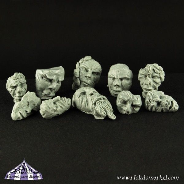 Die Steingesichter zeugen von dem ähhh ... Kunstverständnis einer lange vergangenen Kultur.