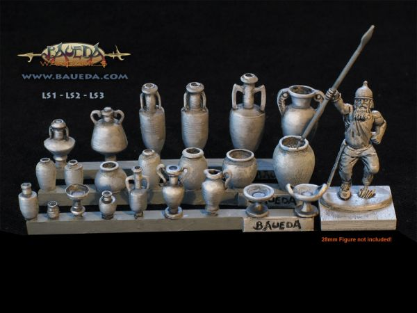 Hier ein Größenvergleich mit einer 28mm Figur - die Gefäße und Vasen sind in der Mitte