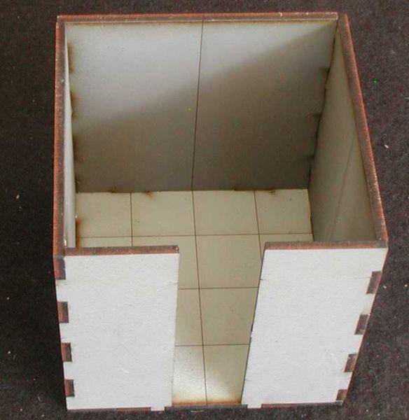 2 dieser Räume mit hohen Wänden inkl. Bodenplatten sind im Lieferumfang enthalten. Modulares Terra-Blocks™ Gelände von Sally 4th