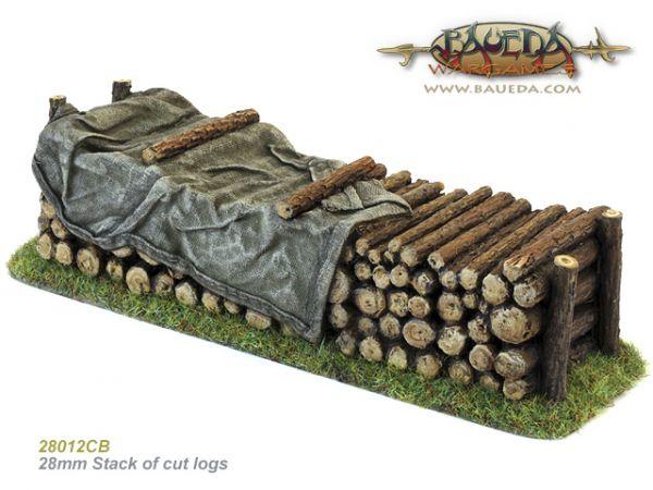 Stack of cut logs / Feuerholzmiete