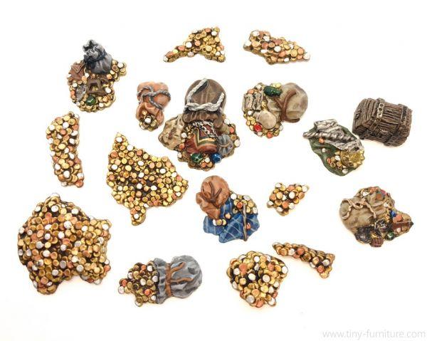 Piles of Coins / Schatzhaufen