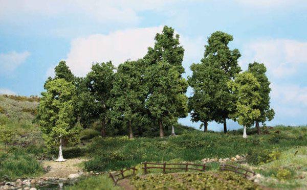 15 unterschiedliche Laubbäume, die Leben auf die Tabletop Platte bringen.