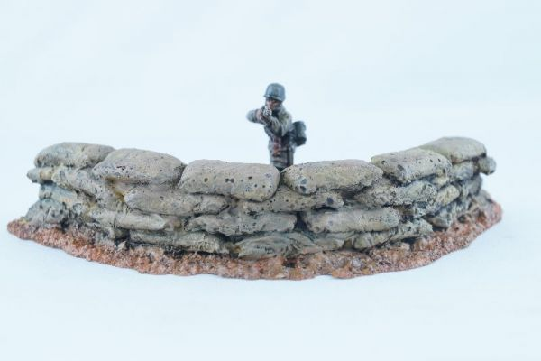 Die halbrunde Form bietet einem ganzen Zug Soldaten Schutz im Frontwinkel