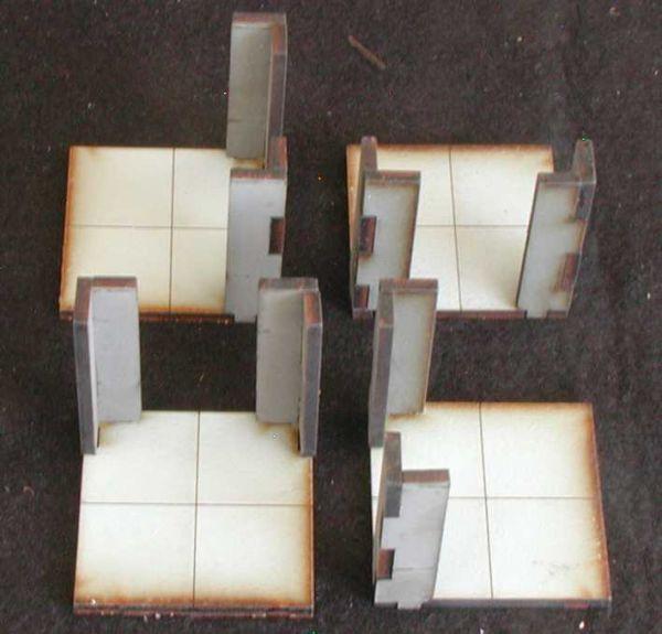 Diese 4 Wände mit Türöffnung inkl. Bodenplatten sind im Lieferumfang enthalten. Modulares Terra-Blocks™ Gelände von Sally 4th