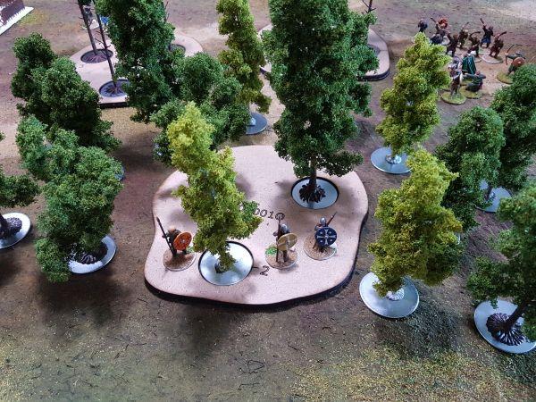 3 Loch Geländebase mit Magnet-Kit und Bäumen