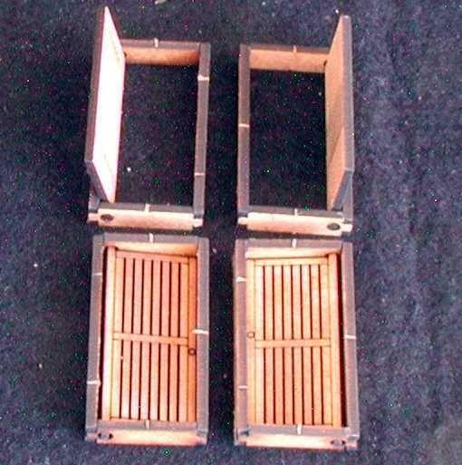 Die 4 enthaltenen Türen sind in der Zarge frei beweglich. Modulares Terra-Blocks™ Gelände von Sally 4th